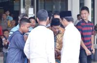 Usai Salat Jumat, Presiden Jokowi Sapa Warga Bogor