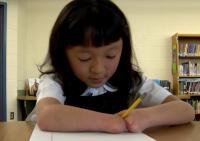 Lahir Tanpa Tangan, Gadis 10 Tahun Menangi Kontes Menulis di AS