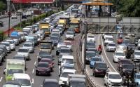 Tol Jakarta-Cikampek Macet Parah dari Cawang hingga Bekasi Barat