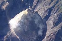 Gunung Agung Erupsi Cukup Besar, Lontaran Lava Pijar Sejauh 2.500 Meter