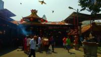 Ratusan Umat Buddha Rayakan Waisak di Vihara Mahavira Jakarta Utara