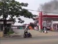 Truk Tangki Terbakar, Asap Membubung di SPBU Ciater Tangsel