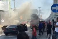 Viral Mobil Terbakar di Karanganyar Disiram Air dari Truk Molen