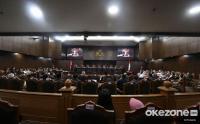 Hakim Tegur Pertanyaan Tim Hukum Prabowo yang Mengandung Pendapat