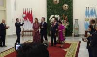 Ketika Presiden Argentina Sundul Bola Pemberian Jokowi