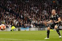 Sulit Gaet Pogba, Madrid Beralih ke Van de Beek