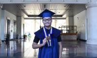 Kisah Perjuangan Anak Tukang Becak Lulus di ITB Berpredikat Cumlaude