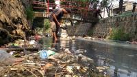 Kali di Bekasi Dipenuhi Sampah, Warga Akui Tak Ada Penanganan Serius dari Pemkot