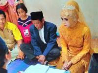 Viral Pernikahan Beda Usia 56 Tahun, Netizen: Apalah Daya yang Masih Muda Ini