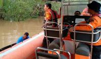 Anita Dimangsa Buaya saat Cari Udang di Sungai