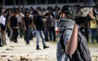 Massa Aksi Lempari Gedung DPRD Mimika dengan Batu