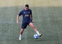 Van Persie Tanggapi Rumor Kepindahan Sanchez ke Inter