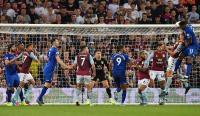 Aston Villa Bungkam Everton 2-0