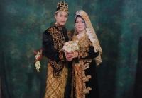 Kisah Unik, Perjaka 26 Tahun Nikahi Sinden Berusia Setengah Abad