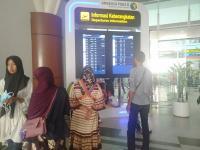 Penerbangan di Bandara SSK II Pekanbaru Terdampak Asap, Penumpang Protes