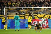 Bangganya Ter Stegen Usai Tepis Penalti Reus