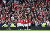 Fellaini: Jangan Cuma Andalkan Pemain Muda, Man United!