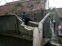 20 Rumah dan Masjid di Bogor Rusak Diterpa Hujan Angin