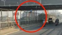 Viral Polisi Selamatkan Pria Hendak Bunuh Diri dari Jembatan Tol Cikampek