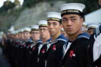 Angkatan Laut Selandia Baru Izinkan Prajurit Pria Pakai Bulu Mata Palsu dan Berdandan