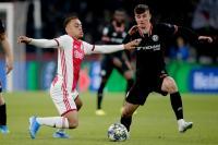 Gol Dianulir, Ajax vs Chelsea Masih Sama Kuat