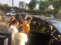 Sambangi DPP PKS, Tommy Soeharto Nyetir Sendiri