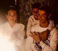 Cristiano Ronaldo Diam-Diam Nikahi Georgina di Maroko?