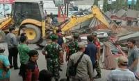 Pembongkaran Bangunan Liar di Medan Diwarnai Adu Mulut