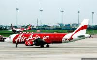 Bercanda Bawa Bom, 2 Penumpang Pesawat AirAsia Diperiksa Petugas