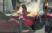Polisi Selidiki Mobil Lamborghini yang Terbakar di Jalan Mayjen Sungkono