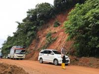Tanah Longsor di Sumbar, Sebuah Minibus Terjun ke Jurang Sedalam 35 Meter