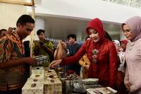 Weekend Market di BIJB Angkat Ragam Budaya Ciayumajakuning