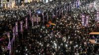 Ribuan Warga Hong Kong Hadiri Misa Penghormatan Mahasiswa yang Tewas