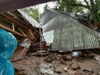 Banjir Terjang Tanah Datar Sumbar, Sejumlah Bangunan dan Jalan Rusak