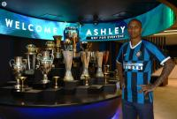 Ashley Young Resmi Gabung Inter Milan