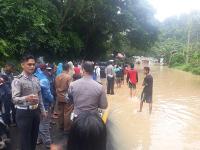 Banjir Terjang Dharmasraya, Jalan Lintas Sumatera Lumpuh