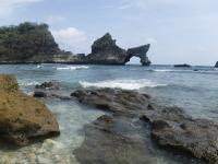 WN China Tewas Jatuh dari Tebing saat <i>Selfie</i> di Nusa Penida Bali