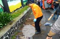 Melihat Gorong-Gorong Lokasi Penemuan Jasad Siswi SMP di Tasikmalaya