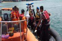 Boat Pancung Tenggelam di Perairan Batam, 3 Selamat 1 Hilang