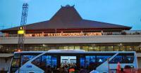 Arab Saudi Bekukan Perjalanan Umrah, Ratusan Jamaah Menumpuk di Bandara Juanda