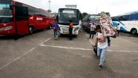 <i>Screening</i> Pemudik Tak Efektif karena Banyak Bus Tak Mau Masuk Terminal