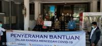 Mayapada Group Donasikan Bantuan ke Petugas Kebersihan dan Sopir Taksi di Surabaya