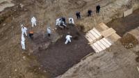 Kota New York Gunakan Kuburan Massal di Tengah Lonjakan Angka Kematian COVID-19