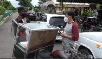 Pengorbanan Ayah saat Pandemi, Rela Makan Nasi Aking Asal Anak Istri Tercukupi