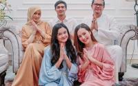 5 Pesona Artis Cantik Berbalut Kaftan, Ucapkan Hari Raya Idul Fitri