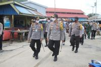 Percontohan <i>New Normal</i>, TNI-Polri Cek Mal hingga Tempat Lelang Ikan di Gorontalo