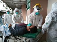 Cekcok dengan Polisi, Jenazah PDP Covid-19 Dibawa Pulang Pakai Angkot
