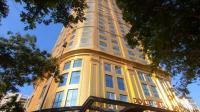 <i>Lockdown</i> Covid-19 Dilonggarkan, Hotel Berlapis Emas Vietnam Akhirnya Dibuka