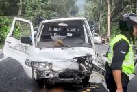 Gara-gara Durian Terbang, Truk Tukang AC Kecelakaan, Lukai Dua Orang