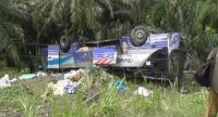 Bus Antarkota Terbalik di Jalan Lintas Sumatera, 8 Orang Terluka